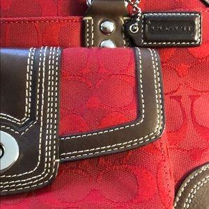 Coach Hampton signature zip satchel